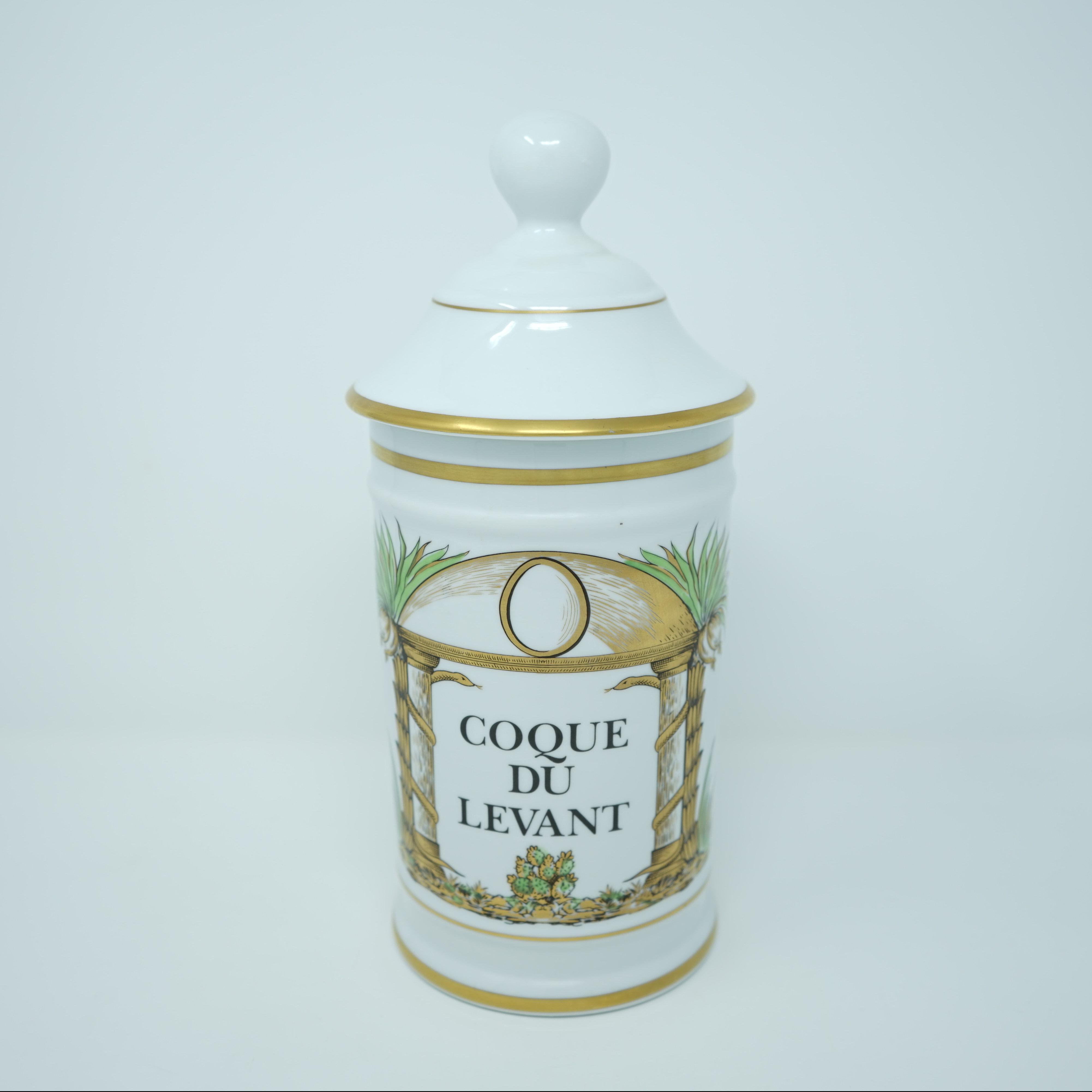 Pot à Pharmacie Coque du Levant devant
