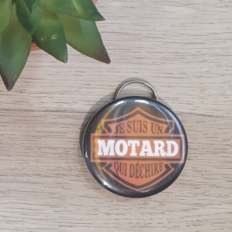 Porte-clés décapsuleur fait main à Lambersart (Lille) pour les motards ou fans de moto.