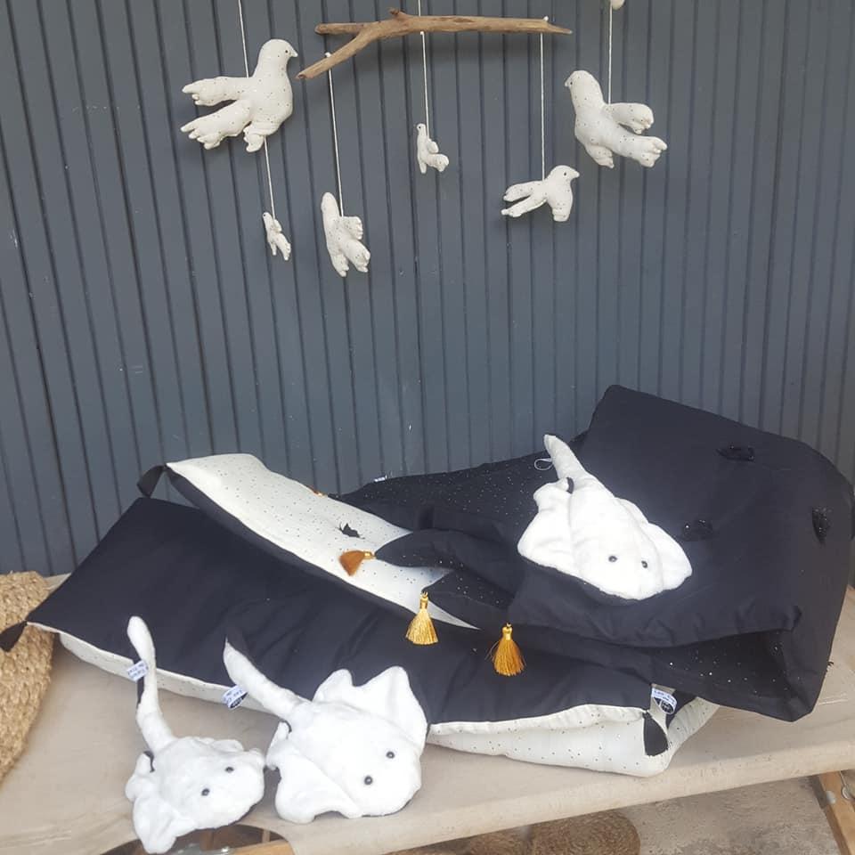 courtepointes, mobile oiseaux, petites raies blanches, créations textiles,fred Petit