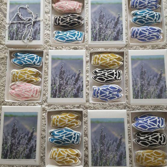 cigales brodées remplies de lavande, cigales, créations textiles fred Petit, bestiaire du sud, idée cadeau, craft