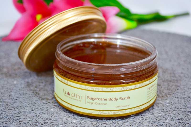 gommage-corps sucre de canne noix de coco bodhi cosmetics les deboires de carlita revue