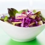 Salad Bar de Nini : Choux rouge, blettes, fèves et légumes de saison