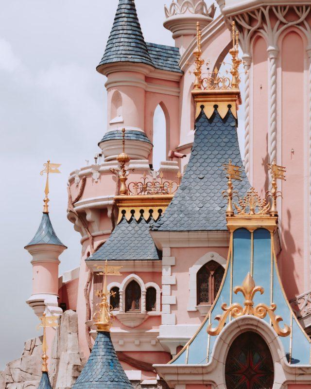 Conseils et astuces pour un séjour réussi à Disneyland Paris