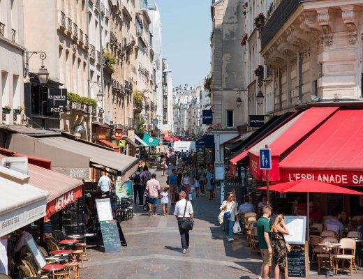 L'emblématique rue Montorgueil - lesdeuxchouettes.frr