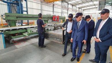 Photo de Photos. Elalamy en visite à la zone industrielle de de Mghogha