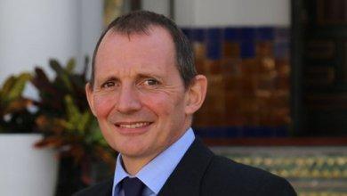 Photo de L'ambassadeur britannique, Thomas Reilly, remplacé