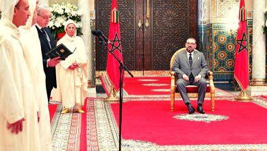 Photo de Cour constitutionnelle: le roi reçoit les nouveaux membres