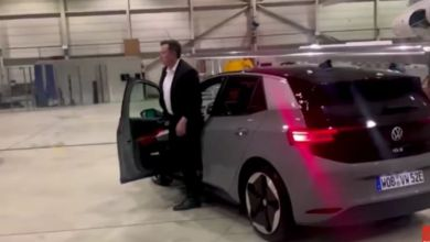 Photo de VW/Tesla, meeting branché au sommet (VIDEO)
