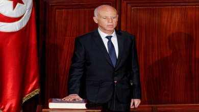 Photo de Le président tunisien démet le chef du gouvernement et suspend les travaux du parlement