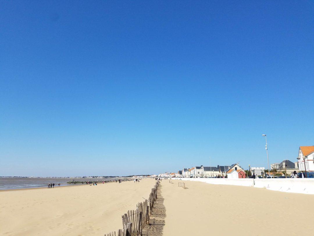 plage de chatelaillon à 10 km de la Rochelle - Marée basse