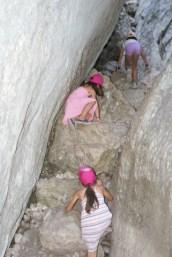 Ca grimpe dur les grottes du Régalon