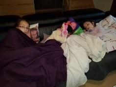 Squattage de canapé par mes 3 malades