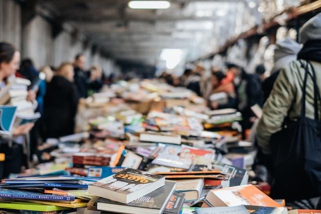 Hegels 250. Geburtstag: Bücher zur Geburtstagsparty
