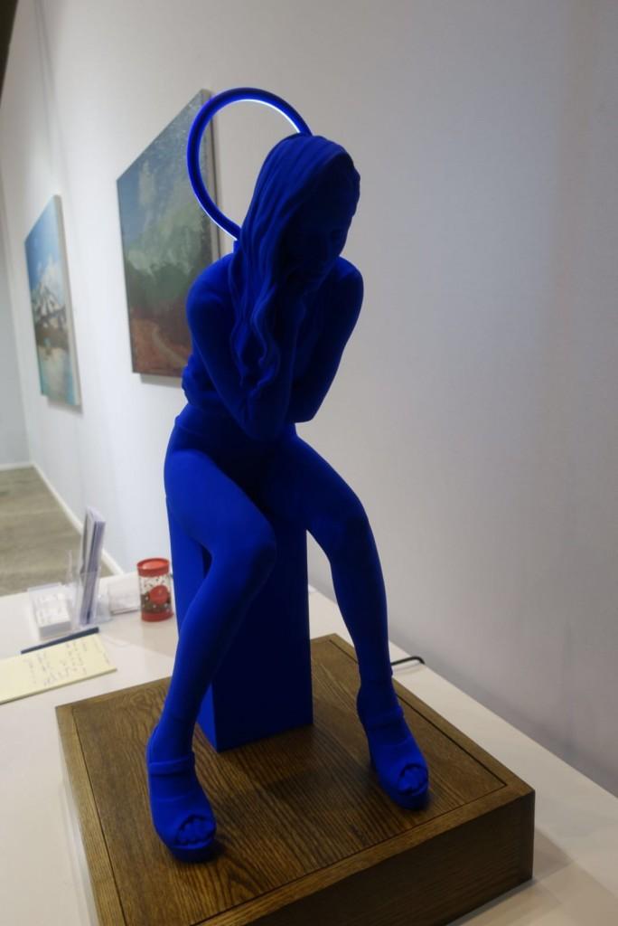 art-paris-art-fair-2016-sculpture-femme-bleue-grand-palais