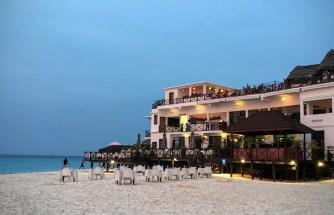 diner au Z Hotel à Zanzibar