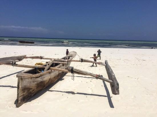 zanzibar-bateau-enfants