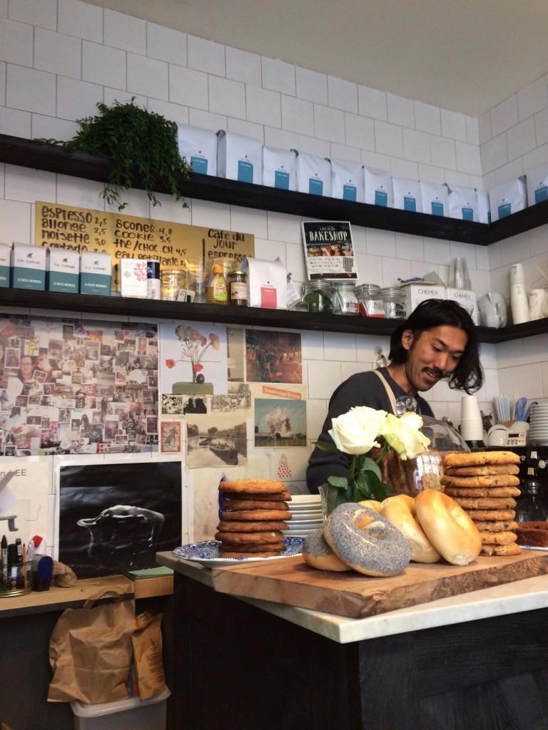 boot-cafe-paris-coffee-shop-barista