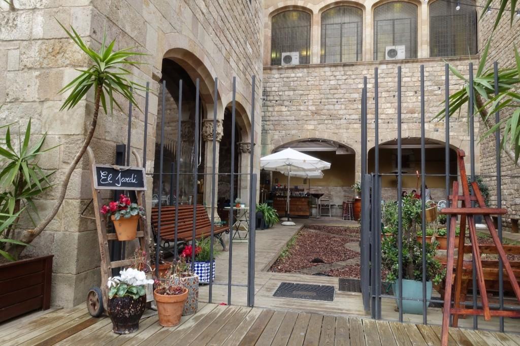 les-exploratrices-barcelone-barrio-gotico-el-jardi