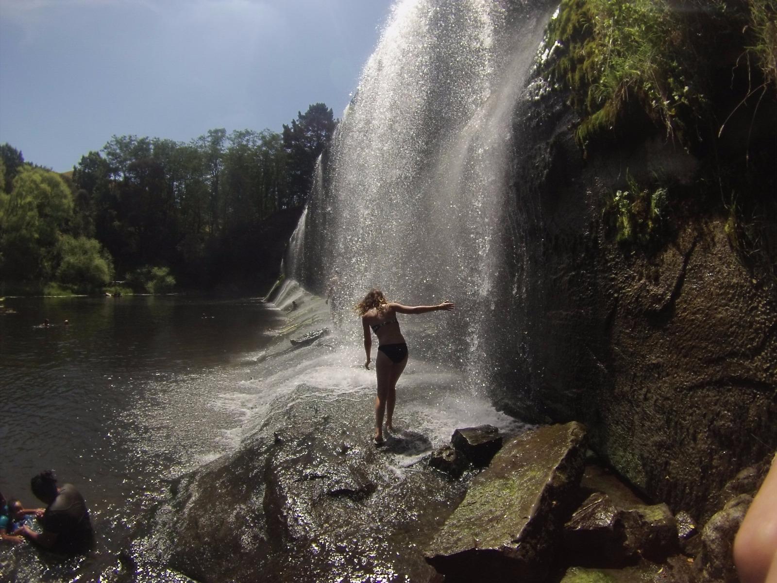 rere falls de l'île du nord de nouvelle-zélande