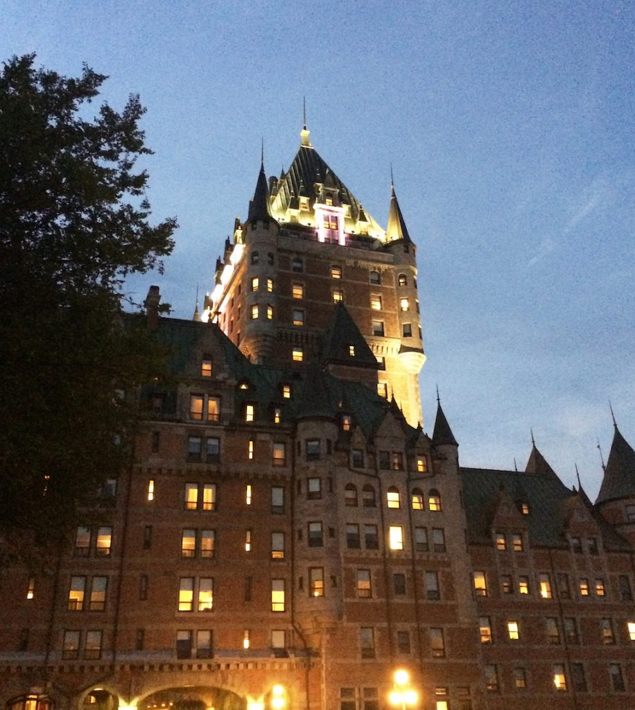 quebec-chateau-frontenac-by-night