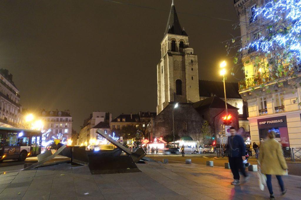 robert-pink-tour-paris-art