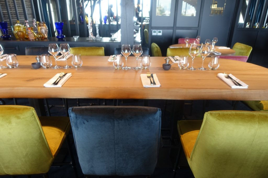 les-exploratrices-restaurant-92-bistro-lahaut-suresnes-table