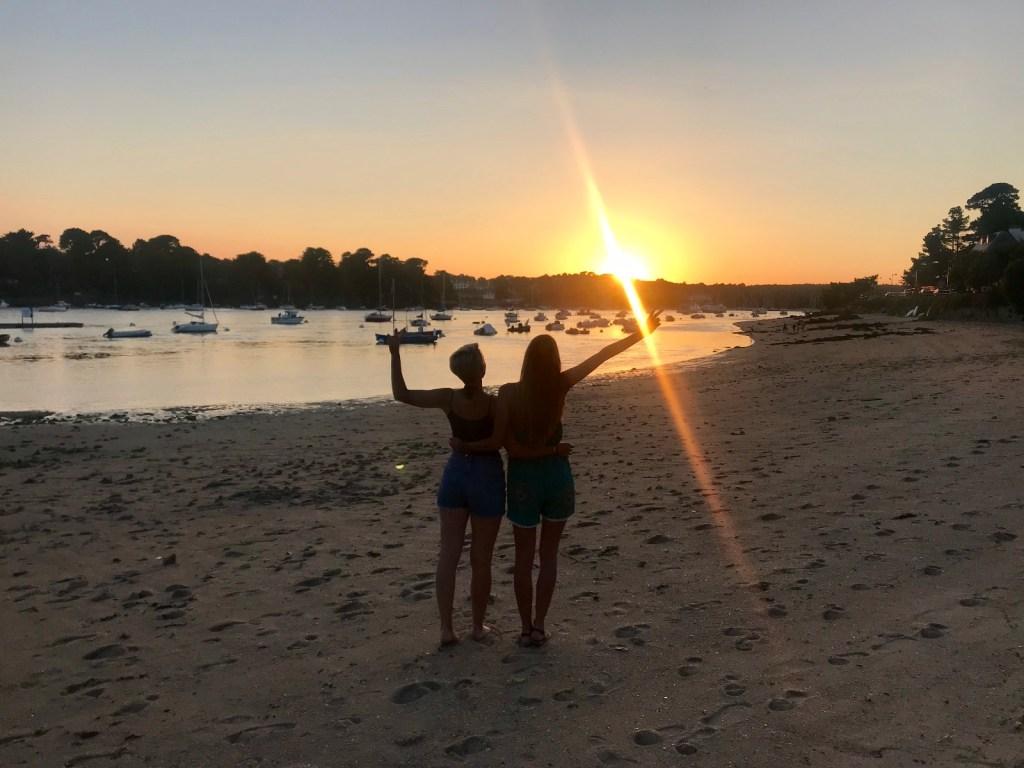 la plage du coq à bénodet idéale au sunset