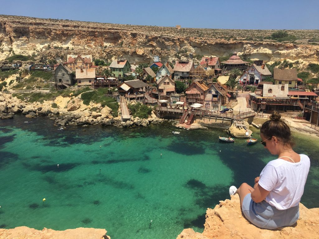 les-exploratrices-malte-popeye-village