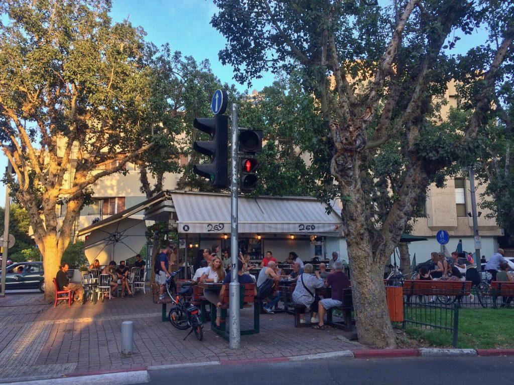 les-exploratrices-tel-aviv-israel-kiosques