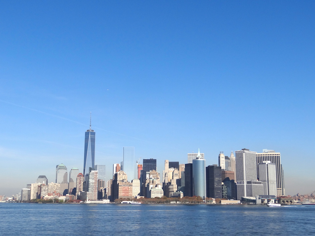 comment-explorer-nyc-skyline-ferry