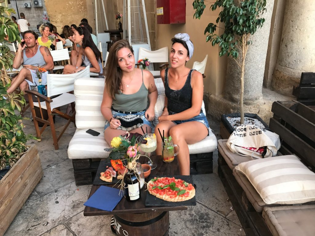 les-exploratrices-roadtrip-sicile-mazara-del-vallo-vintro-bar-nord-ouest