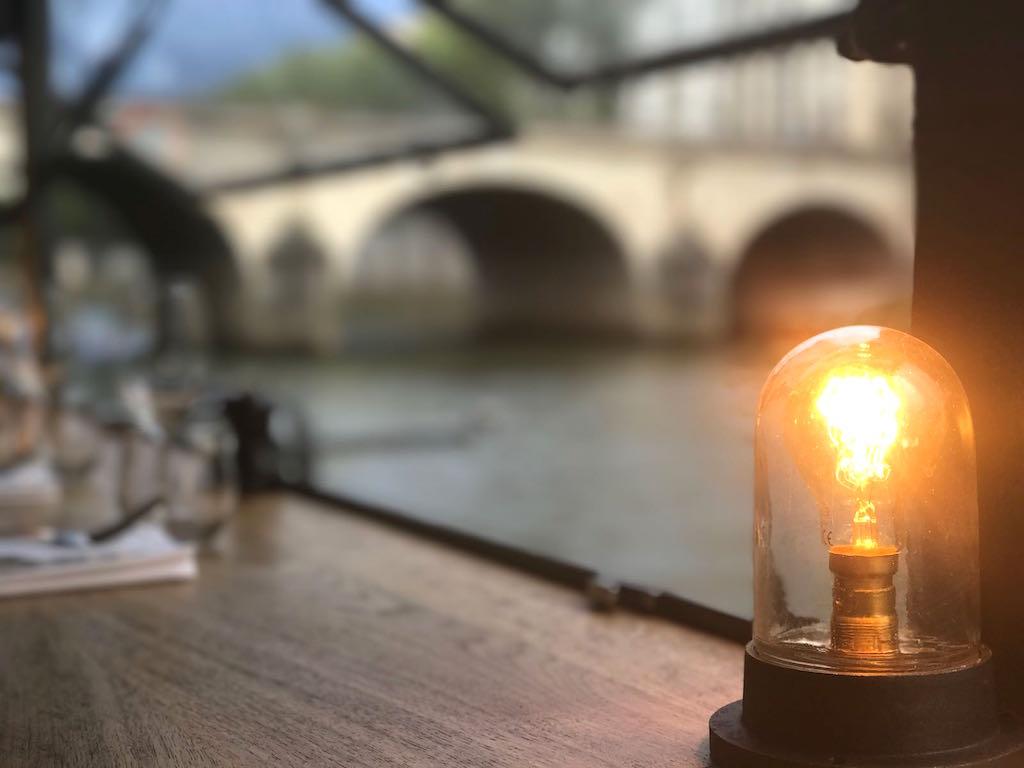 douce lumière depuis les maquereaux