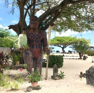 moorea-painapo-beach-restaurant-four-tahitien