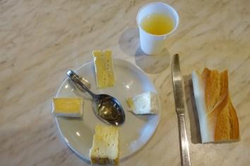 dégustation de fromage à la fromagerie graindorge pour un weekend original en normandie