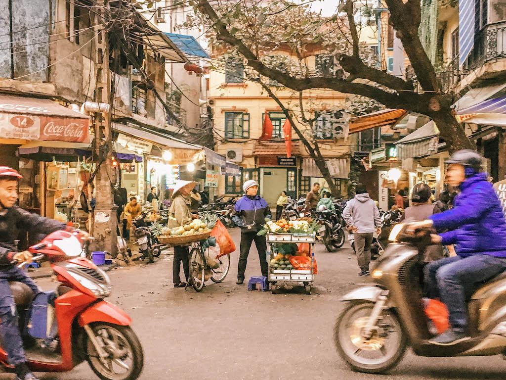 vietnam-airlines-rue-hanoi-explorer-le-vietnam