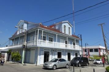 republique-dominicaine-puerto-plata-place-de-independance-maison-bleue