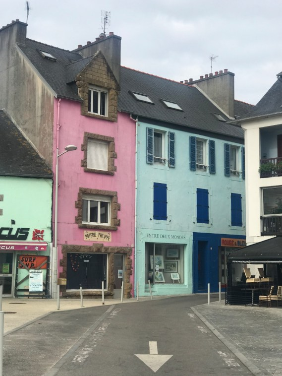 finistere-nord-crozon-morgat-facades-colorees
