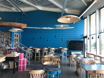 finistere-nord-roscoff-port-bloscon-restaurant-cest-ici-decoration