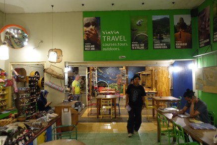 indonesie-greenhost-boutique-hotel-yogyakarta-restaurant-viavia-magasin