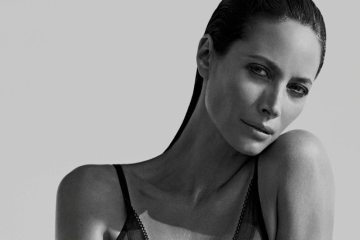 CALVIN KLEIN ETERNITY FEATURING CHRISTY TURLINGTON