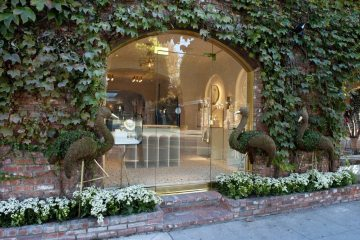 IRENE NEUWIRTH FIRST BOUTIQUE IN LOS ANGELES
