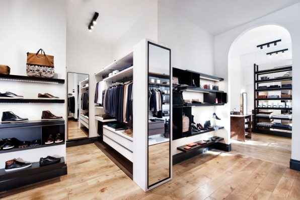 WANT LES ESSENTIELS FIRST AMERICAN BOUTIQUE IN NEW YORK