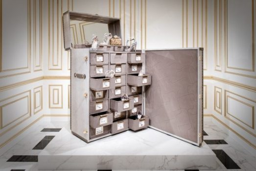 JIMMY CHOO 20TH ANNIVERSARY SHOE TRUNK
