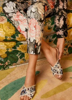 STUART WEITZMAN RESORT 2017 COLLECTION