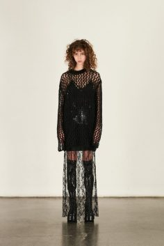 MCQ ALEXANDER MCQUEEN FALL 2017 RTW COLLECTION 1