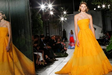 CAROLINA HERRERA SPRING 2018 RTW COLLECTION