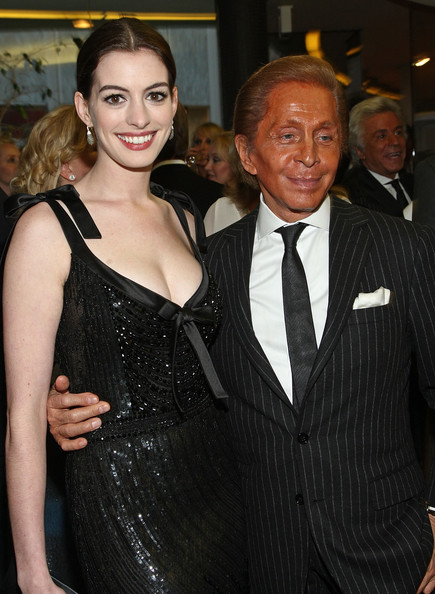 Anne Hathaway et Valentino