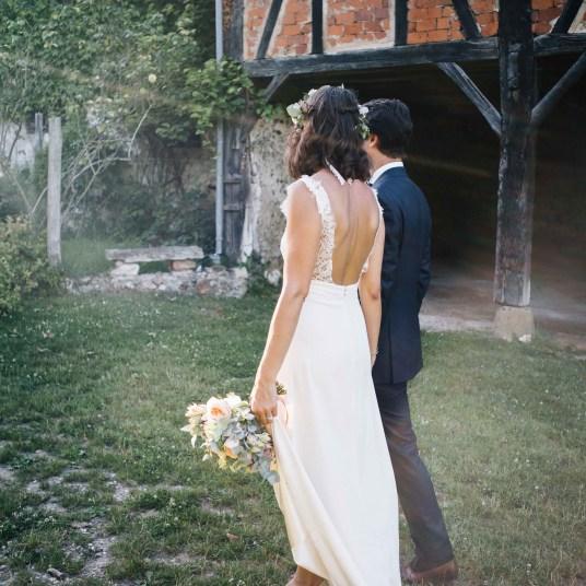 bouquet-mariee-couronne-fleurie-champetre-mariage