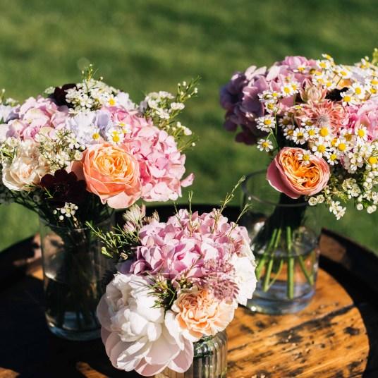 bouquet-table-champetre-colore-pastel-mariage