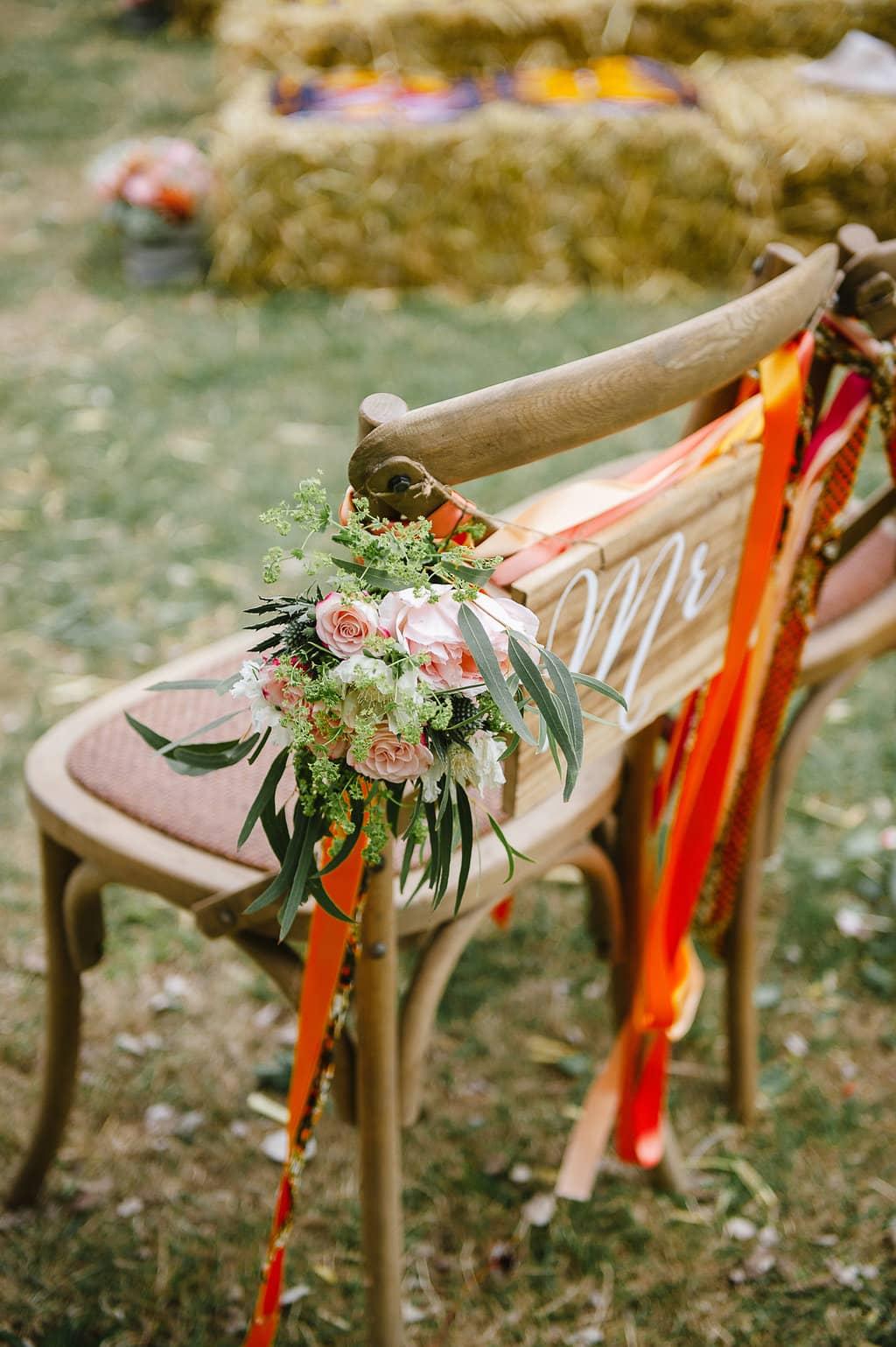 chaise-mariee-bouquet-ceremonie-champetre-mariage